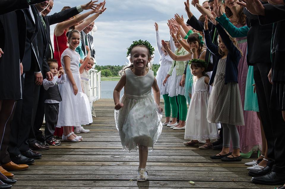 opieka nad dziećmi podczas wesela