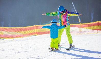 Od jakiego wieku dziecko może jeździć na nartach